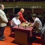 Verőci Zsuzsa elindítja a Lékó - Anand párosmérkőzés óráját